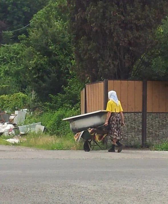 Есть еще женщины в русских селениях!